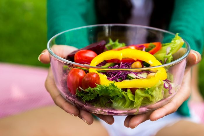 6 Easy Ways to Help Your Employees Eat Healthy in the New Year