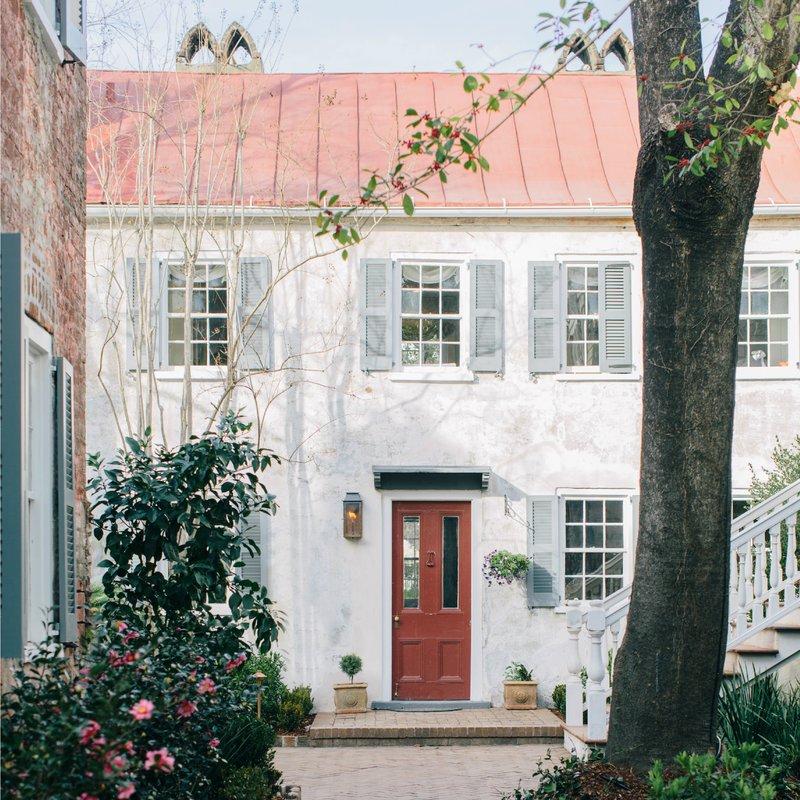 amex_square_6_exteriorkitchencarriagehouse0100_1.jpg