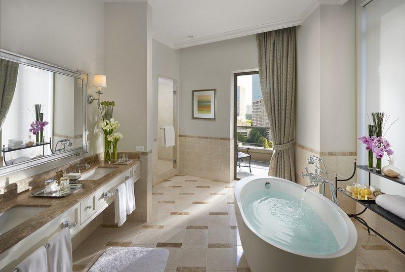 atlanta-14-suite-mandarin-bathroom.jpg