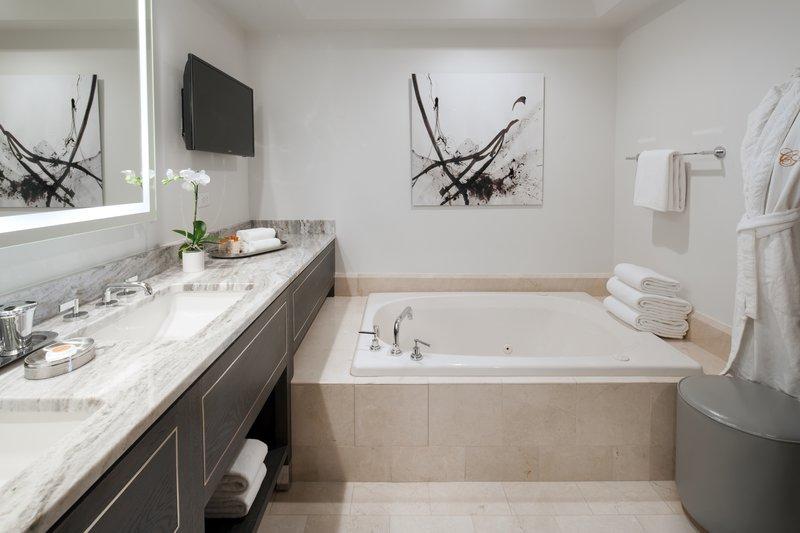 lux3544gb-200349-guestroom_bathroom.jpg