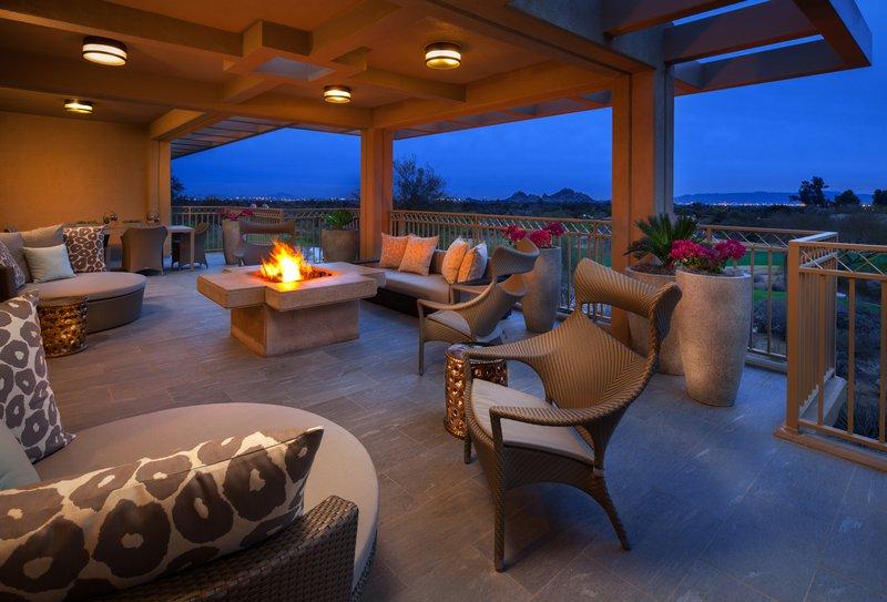 lux3544gr-207565-presidential_suite_patio.jpg