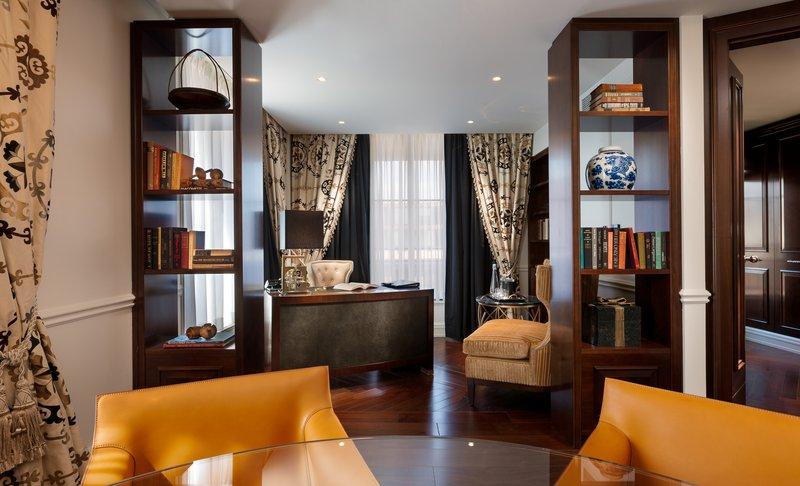 rwwdc_73397966_presidential_suite_office.jpg