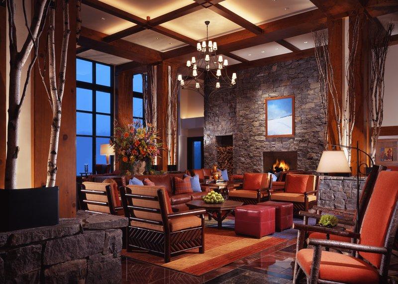 stowe_accommodations_lodge_interior.jpg