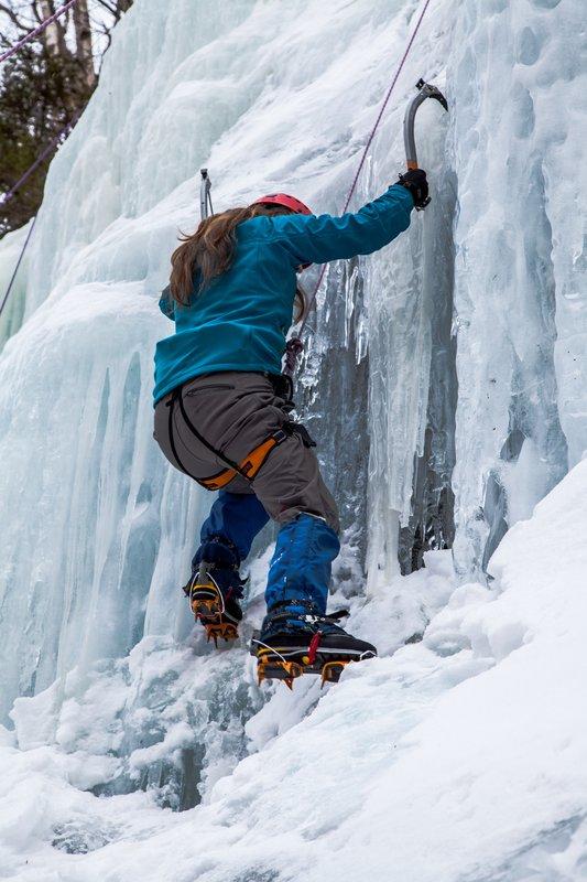 stowe_activities_mountainclimbinginwinter2.jpg