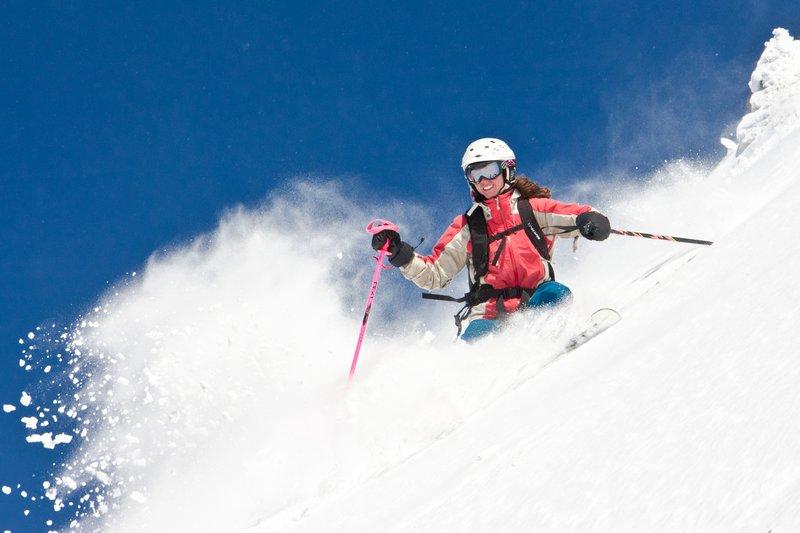 stowe_activities_skierdownhill.jpg