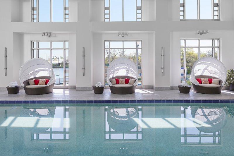 washington-2016-luxury-spa-pool-01.jpg