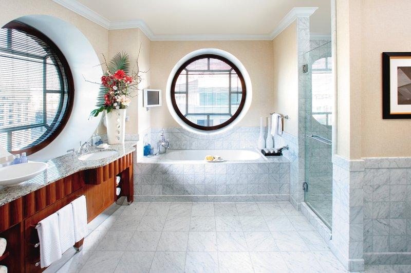 washington-suite-mandarin-suite-bathroom-01.jpg