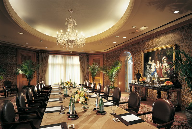 10_windsor_court_boardroom.jpg