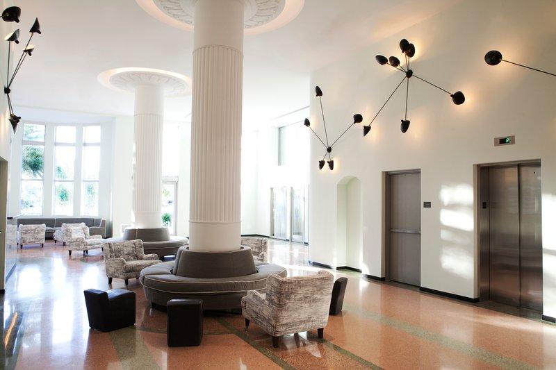 hi_212748_59544329_hotel_lobby.jpg