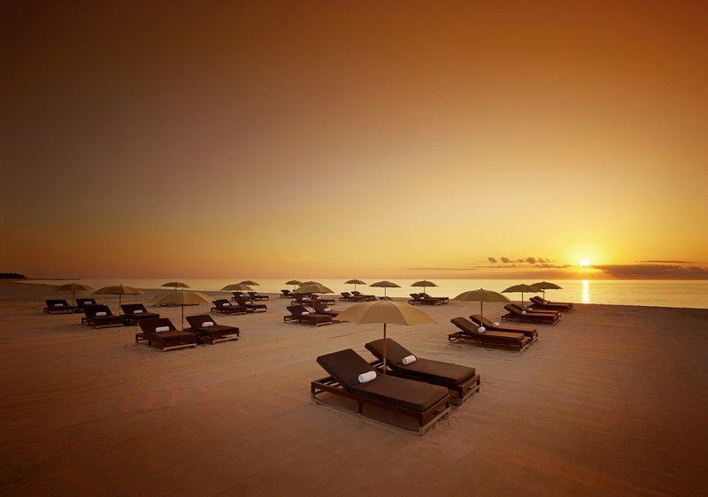 lw2701_60718664_44_setai_beach-sunrise-wide_1a.jpg