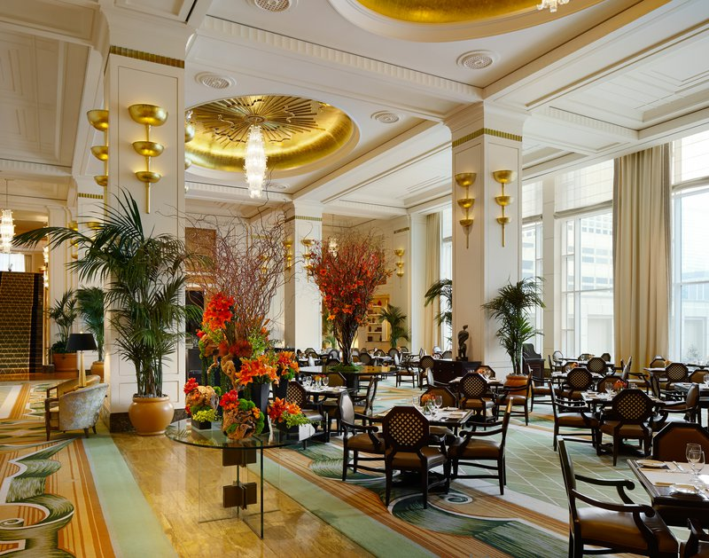 the_lobby_at_the_peninsula_chicago.jpg