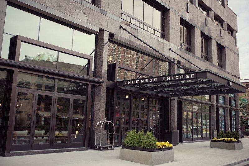 thompsonchicago_exterior_entrance_pr_dt1113.jpg