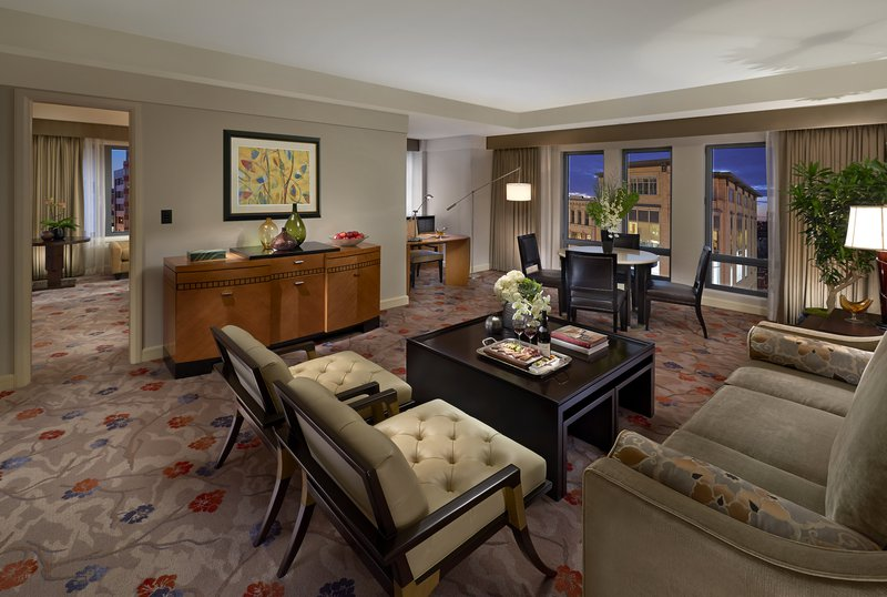 boston-2014-suite-premier-corner-living-room.jpg