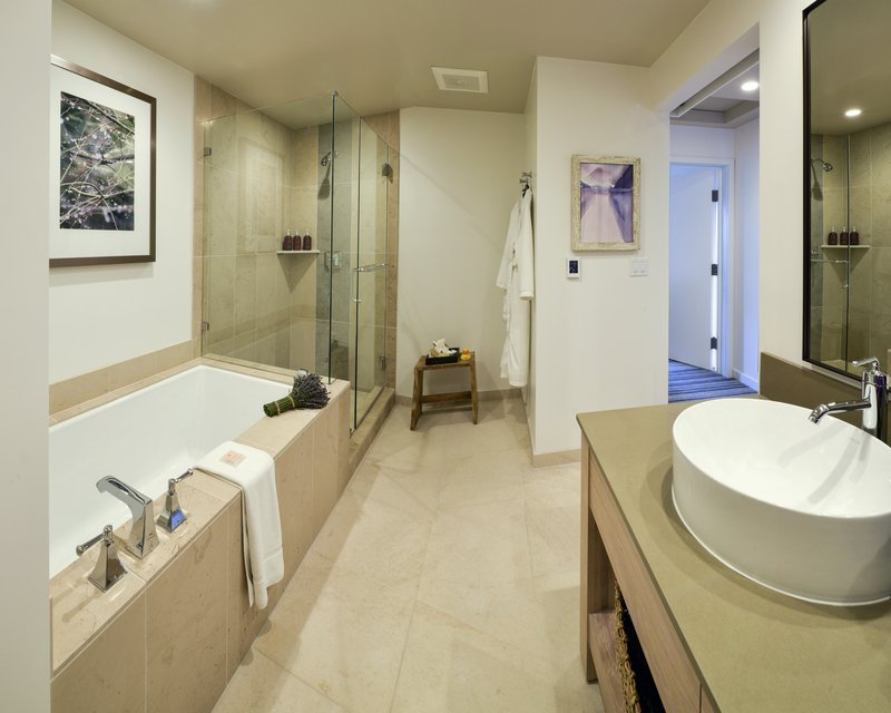 carmel_valley_ranch_vineyardoaksuite_bath.jpg