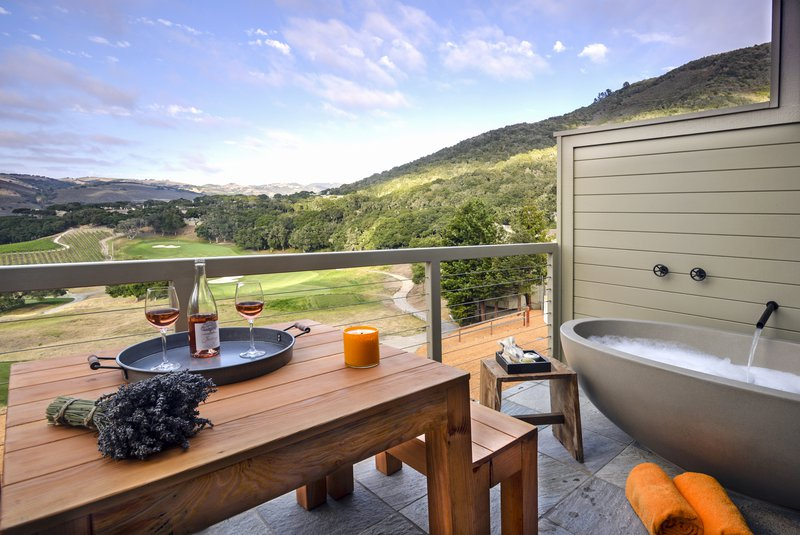 carmel_valley_ranch_vineyardoaksuitetub_deck.jpg