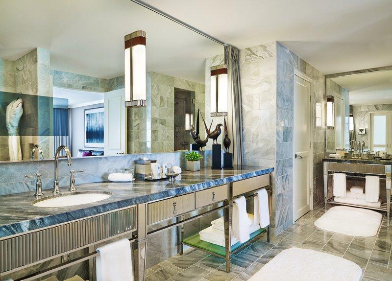 str244gb-147851-presidential_suite_master_bathroom.jpg