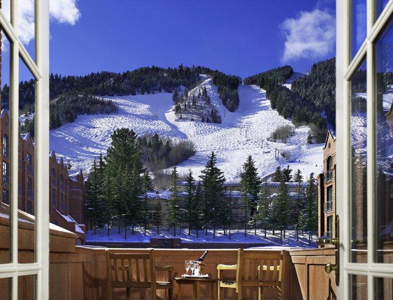 str244gr-119376-grand_deluxe_guest_room_-_balcony.jpg