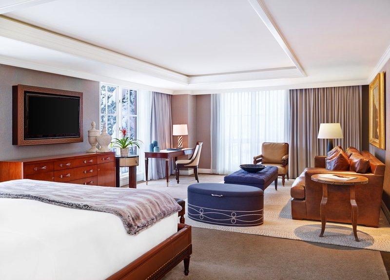 str244gr-147850-aspen_mountain_suite_master_bedroom.jpg