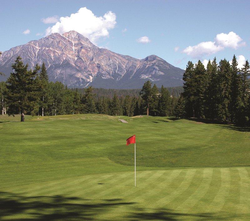 golf_course_hole_16_479901_high.jpg