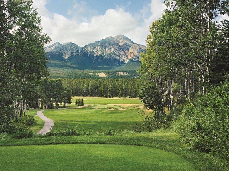 golf_course_hole_9_479878_high.jpg