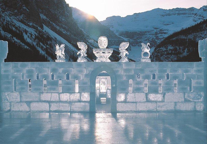ice_castle_on_lake_louise_478211_high.jpg