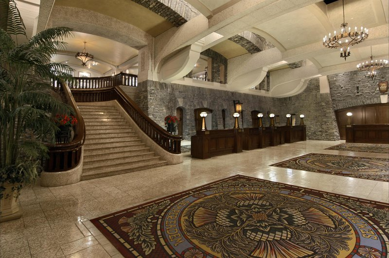 lobby__grand_staircases_492528_high.jpg