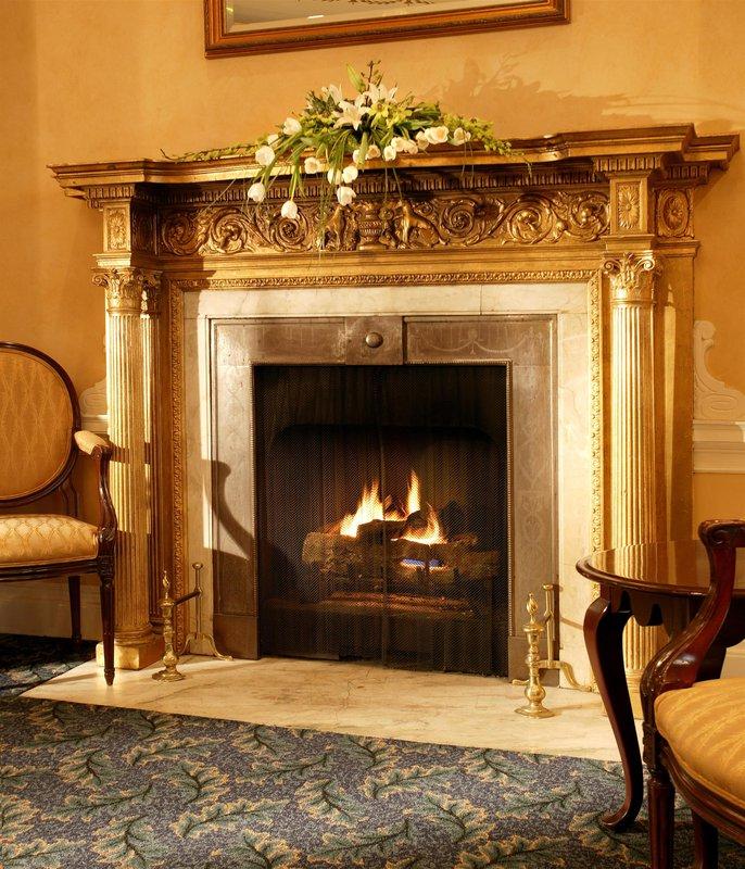 oval_room_fireplace_480971_high.jpg