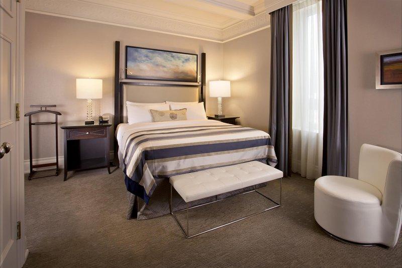 royal_suite_bedroom_480956_high.jpg