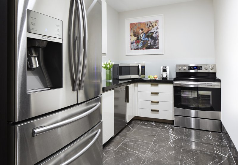 160118_lwh_phouse_kitchen_400.jpg