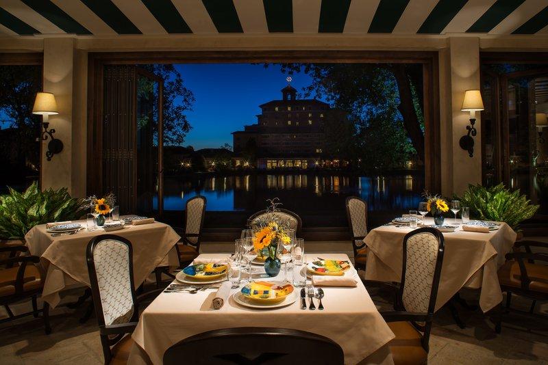 18_del_lago_dining_view.jpg