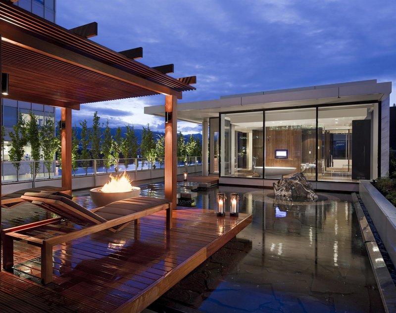 chairmans_suite_terrace_482532_high.jpg