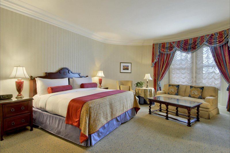 fairmont_gold_room_478150_high.jpg