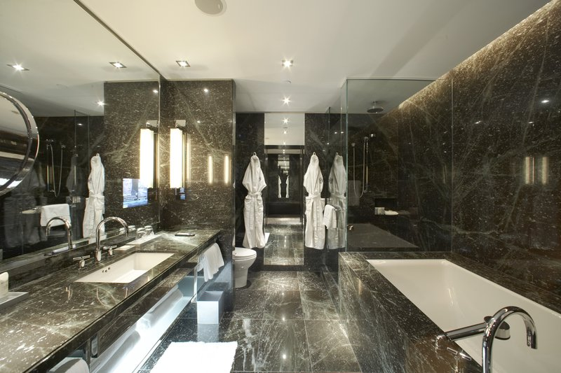 hi_lw2014_44574149_the_hazelton_hotel_image_suite_bathroom_01_large.jpg