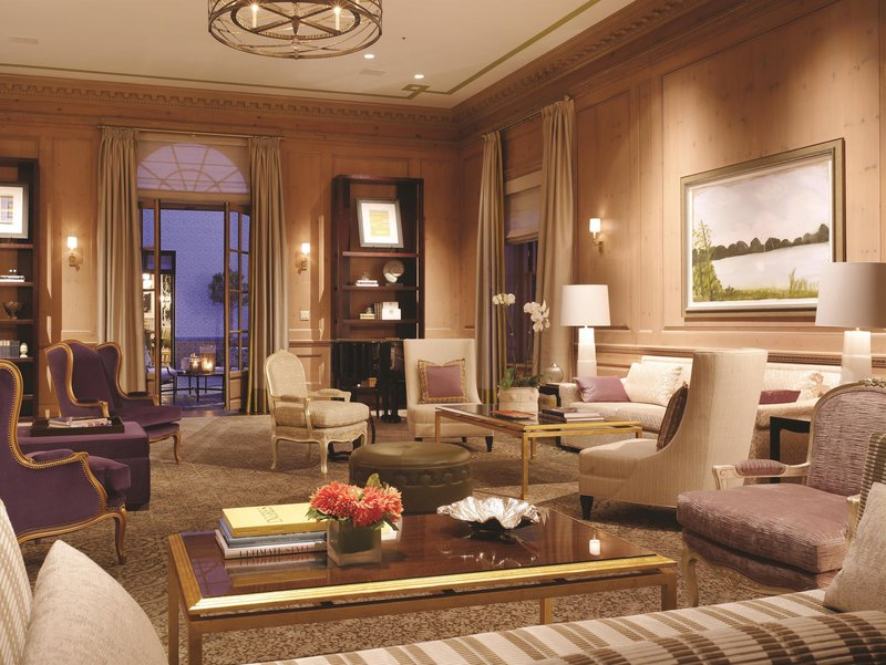 penthouse_suite_living_room_481551_high.jpg