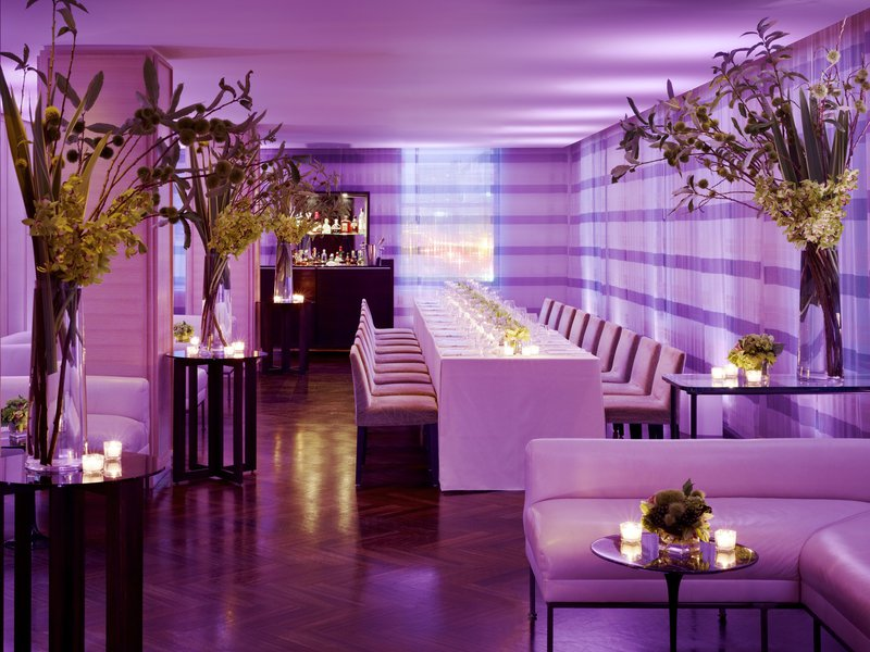 str1511re-141347-vitrine_restaurant_event_-_magenta.jpg