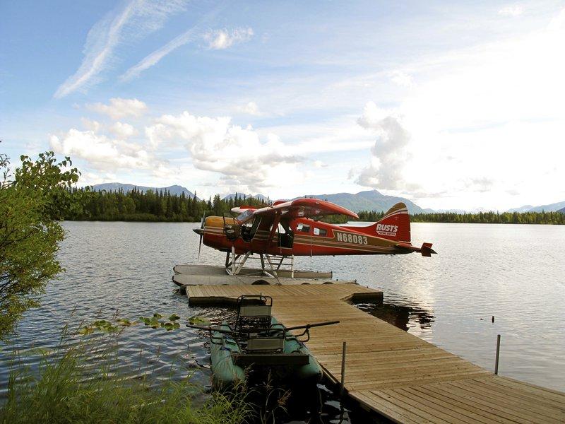 float_plane_dock.jpg
