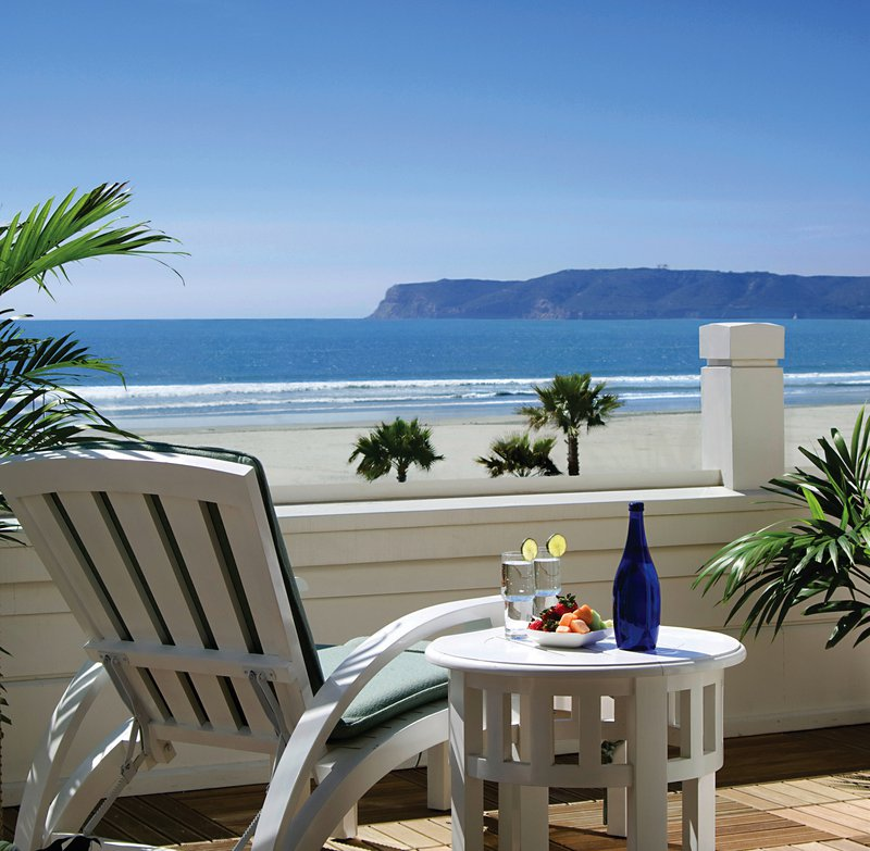 16-beach-village-del-villa-balcony-chair-oceanfront-08-hires.jpg