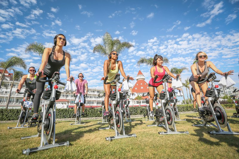 20-beach-village-del-recreation-beach-spin-turret-women-bikes-15-leetal-hires.jpg