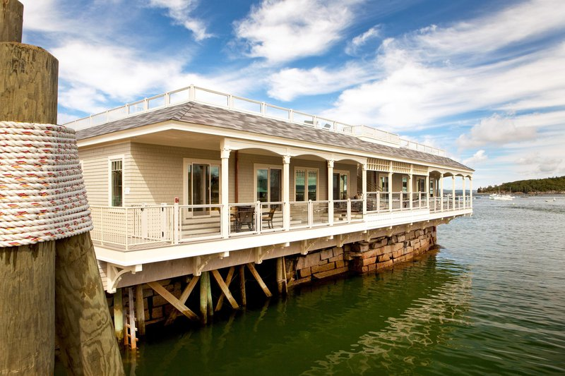 boathouse_suites_exterior_14835_high.jpg