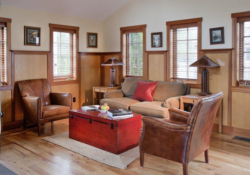 the_white_barn_grace_cottage_room.jpg