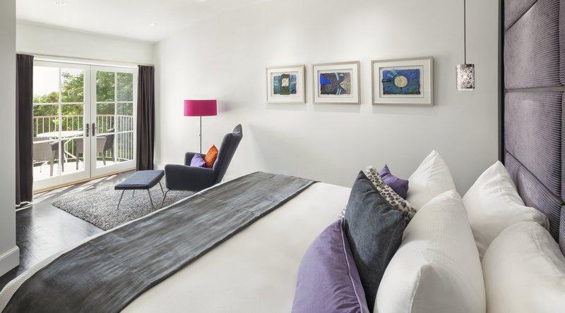 camden_harbour_inn-royal_dutch_suite.jpg
