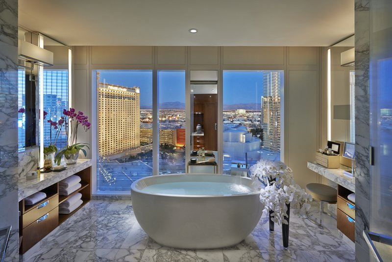las-vegas-2014-suite-apex-suite-bathroom.jpg