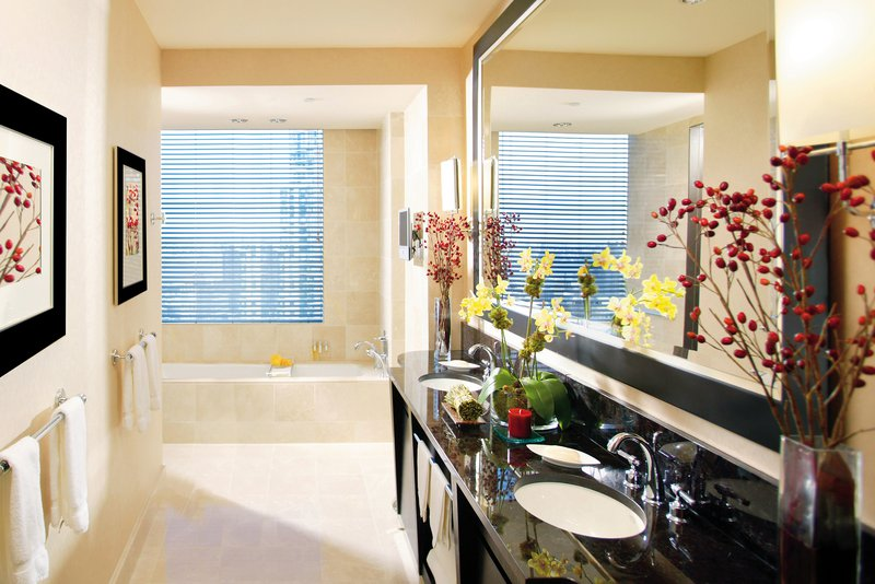 new-york-room-room-premier-hudson-river-view-bathroom.jpg