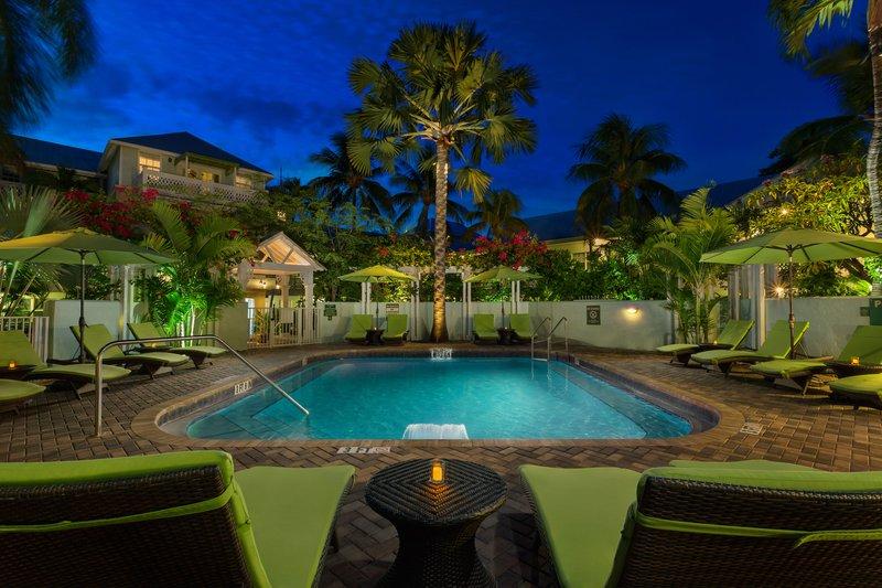 smusa-tranquility-pool-night.jpg