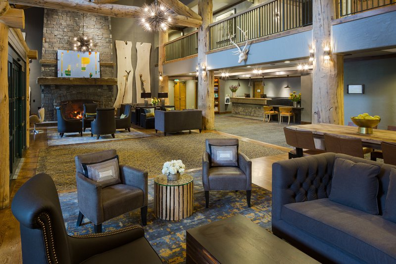 teton_mountain_lodge__spa_lobby_sitting_area.jpg