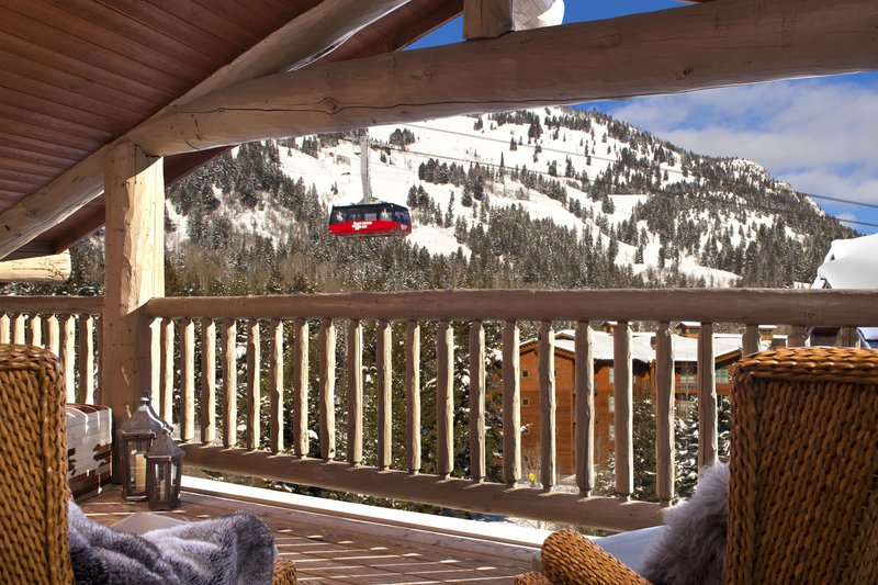 teton_mountain_lodge__spa_suite_balcony_1_1.jpg
