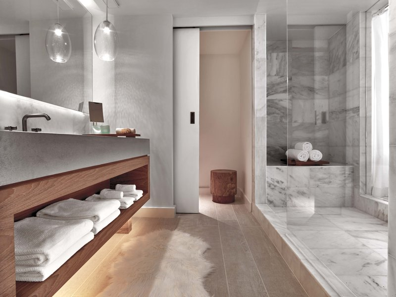 room_-_bathroom.jpg