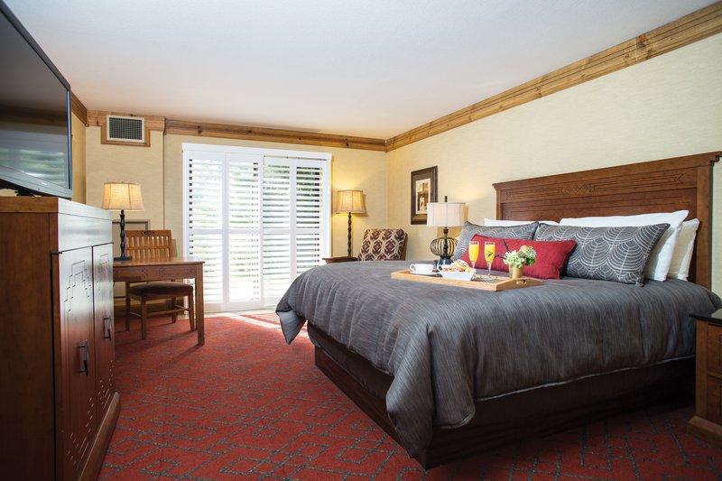 tenaya_lodge-renovated_premium_king_room-breakfast.jpg