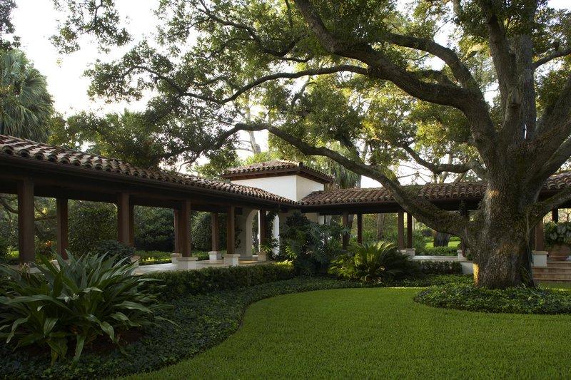 cloister_garden.jpg