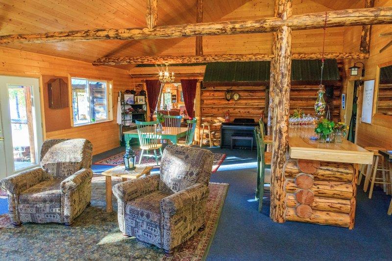 main_lodge-interior-_bar_Jjk72Tc.jpg